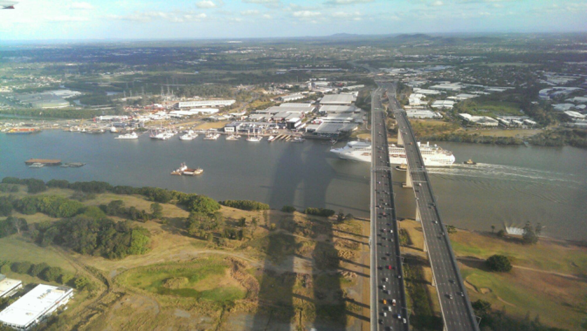 Cruise Ship Departing Brisbane  BurbleChaz
